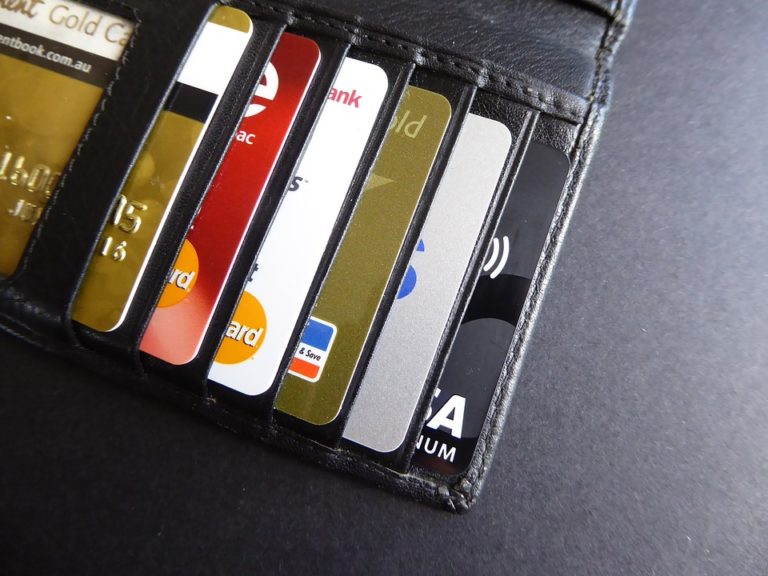 7 Low Salary Credit Cards For Salaried Below 15K Per Month
